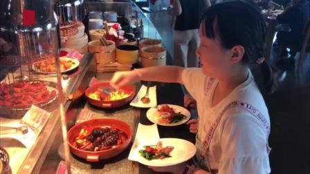 首届上海美食节启幕 邀市民游客开启舌尖寻味之旅