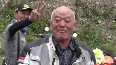 骑行西藏最舒服的一天,河边晒太阳,大家开始唱歌!