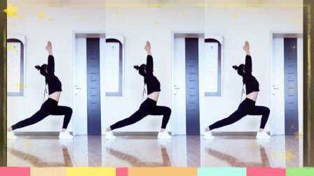3分钟形体放松拉伸健身操,腰疼腿麻适合做,每天做都受益