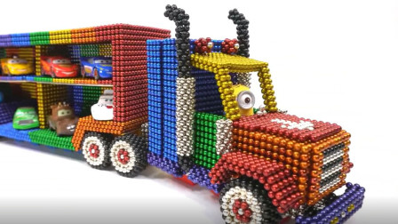 拼装运输小汽车的拖车玩具
