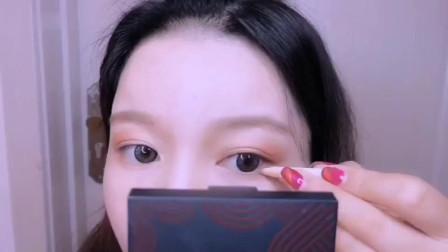 眼妆技巧:微烟熏眼影画法, 简单的教程新手必看!