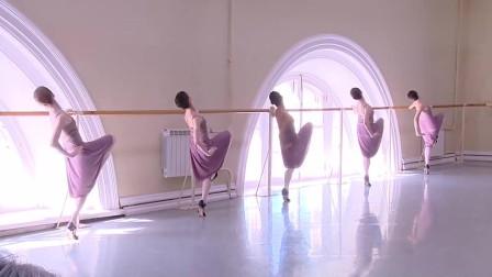 全球顶尖芭蕾舞学校的女生形体课