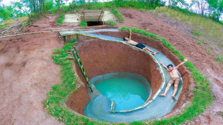 水上乐园票太贵,兄弟俩自建水滑梯,这设计的也太牛了!