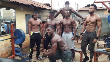 """非洲的""""肌肉村"""",遍地都是肌肉男,靠练肌肉赚钱养家"""