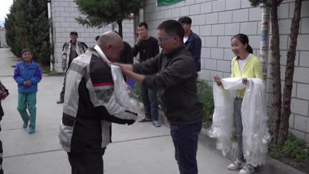带着爸爸骑摩托车从重庆到拉萨,用时12天,老男孩们平安抵达!