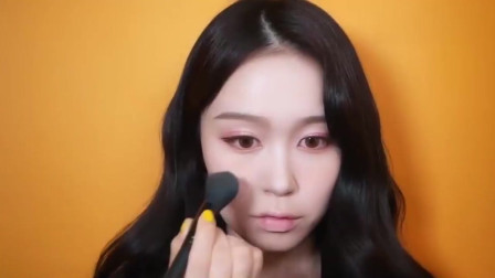 橘里橘气的春日妆容,甜美小姐姐化上橘子妆容后,清新