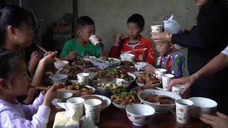 6斤猪排,桃子姐做一锅冬瓜排骨汤,营养美味,一家人吃得乐滋滋