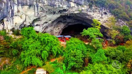 探秘!实拍亚洲最后的穴居部落,过着原始的生活,男耕女织