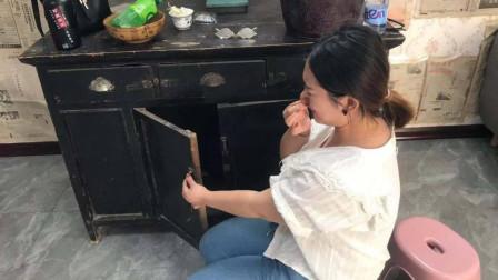 初次去男友家,婆婆就让我做饭洗碗,我打开橱柜一看,选择分手