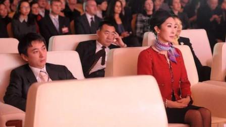 王思聪母亲长啥样?当看到照片后,网友:不愧是嫁入豪门的女人!