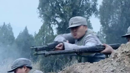 八路军对抗鬼子,超强炸药炸坦克以为天衣无缝,怎料导火索竟断了