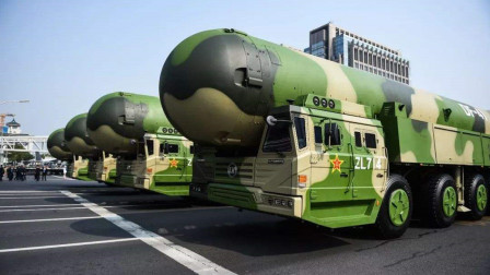 真正的大杀器!中国这款导弹刚亮相 第二天美国就发射一枚导弹