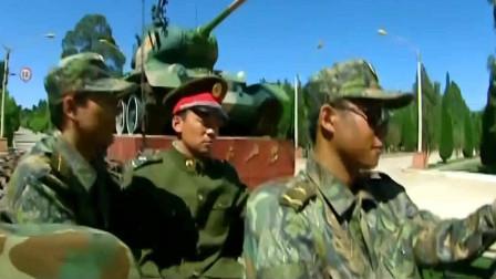 士兵突击:敢跟许三多动手!就算在车上!收拾你也不用两只手!