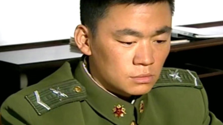 士兵突击:家里出事父亲坐牢三多向队长借钱,袁朗只说了五句话
