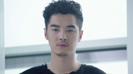 李琰俊被真相刺激再次发病,并告诉木夏东西藏在通风管道
