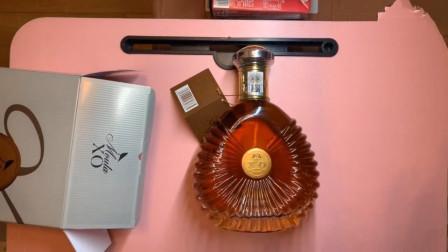 小伙9毛5神价买到进口XO洋酒还包邮,光瓶子都不止9毛,看完产地和配料后贱笑了