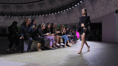 Versace 2020春夏女装发布: 意大利的大V