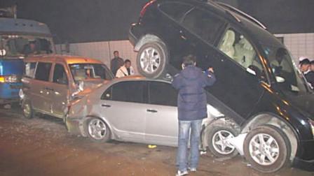 女司机开车又作!撞烂宝马撞护栏,新车2秒变废铁,网友:撞的还是轻!