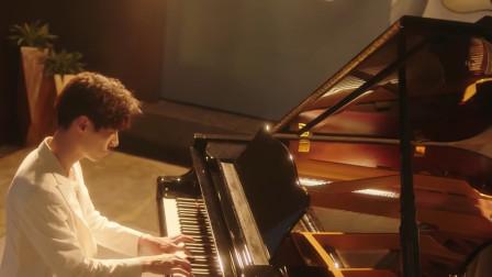 竹马钢琴师:浪漫的青春校园时光,配上李向哲为此剧献唱的歌曲,浓郁的情感又进一步!