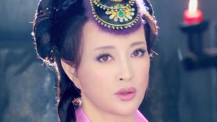 刘晓庆经历四次婚姻,为什么至今不生一子?看完后竟有些同情