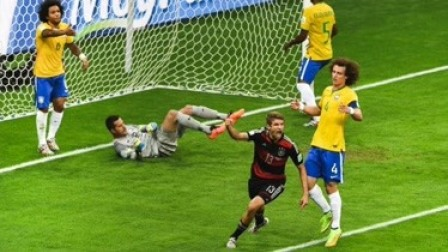 世界杯赛场上发生过许多许多的事,唯独这几件让人记忆犹新