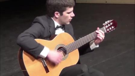 当你的朋友不懂吉他的时候,你在他面前弹出卡农的时候!