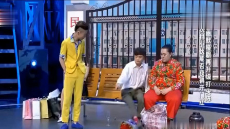 从头到尾宋丹丹笑个不停,冯小刚更是罕见感谢他们高质量地表演