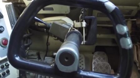 德国豹2A2坦克内部的观察,驾驶员的观察窗就20公分左右