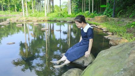 在海南文昌,享受免费的天然冷泉鱼疗,太开心了!