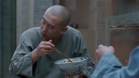白鹿原:这简直就是舌尖上的美食啊,这油泼面吃的都流口水啊
