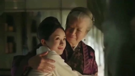 知否知否:明兰被人欺负,老太太赶来给明兰撑腰,明兰赖床求抱抱