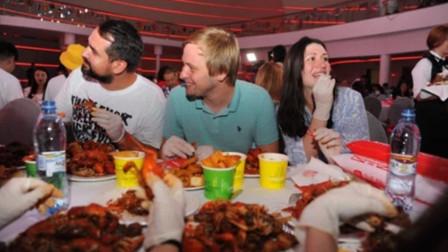 """年薪50万的""""龙虾试吃员"""",每天白吃5斤龙虾,网友:快选我"""