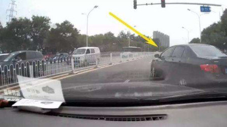 小车高速挑衅大货车,恶意别车滋事,谁知货车司机不好惹,连续别车教训你!