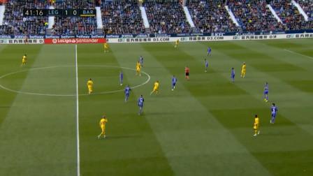 顶盛:一个假动作,格列兹曼拿球,传球给后面的梅西,随后登贝莱拿球,这个操作亮眼了,球穿裆了,但人没穿过去