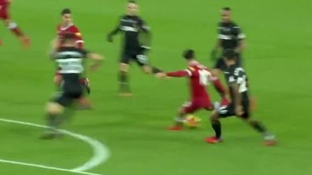 红队十四号这后脚跟射门太秀了吧,八号还帮补一球
