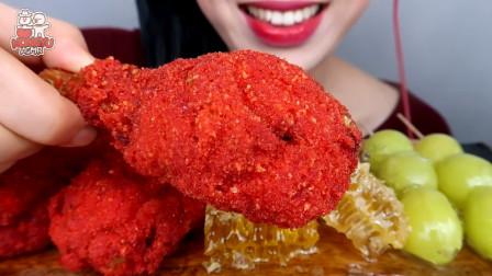 美女直播:自制辣芝士鸡,吃蜂巢、糖葫芦,太过瘾了