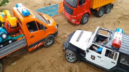 趣味益智玩具 大卡车拉着玩具车出事故 救援车工程车前来救援