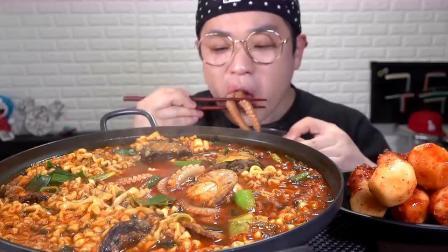 吃了30年的泡面,还是韩国大叔最会吃,满口的鲜香麻辣!