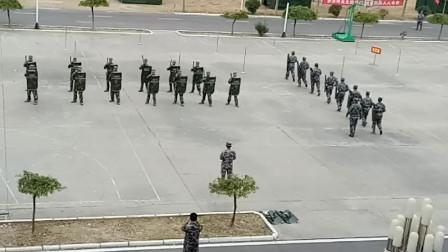 最新警棍盾牌操操练全程
