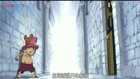 海贼王:乔巴太可爱,嫌弃路飞话太多,把他关起来,路飞:还好我机智