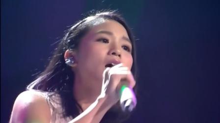 超级女声黄英,一首歌唱出了十年来的改变!太令人感动了