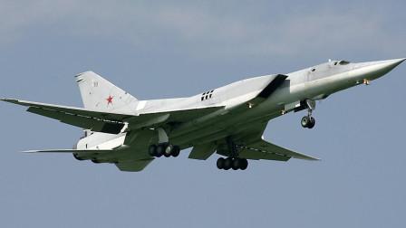 俄罗斯逆火轰炸机空中引擎熄火,飞行员紧急迫降安全着陆