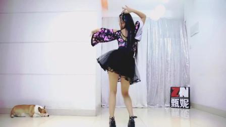极乐净土舞蹈教程:二次元小姐姐现场展示极乐净土舞蹈动作