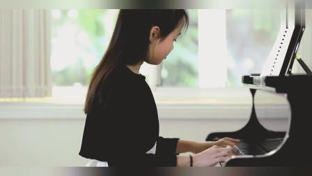 长发小姐姐弹奏钢琴曲梁祝,琴声凄美,你们喜欢吗