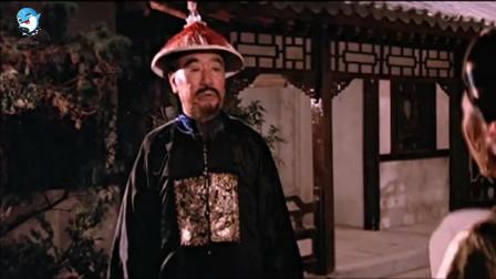 影视: 提督去茶楼抓乱党在外面一阵乱骂, 乱党没等出来, 皇上出来了
