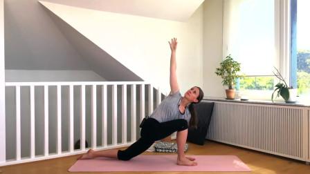 运动后的放松瑜伽动作