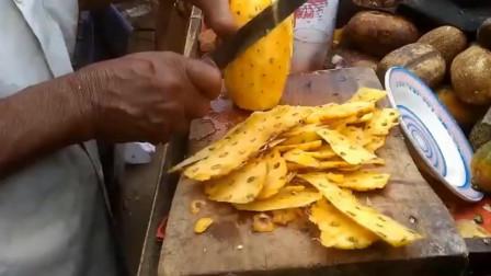 印度大叔的水果摊的,这咖喱粉看着很有食欲!