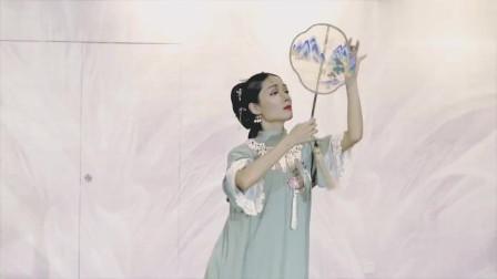 宫墙柳舞蹈,好有诗意的古典舞,小姐姐跳起来太美了
