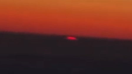 哈萨克斯坦有不明物体坠落云海