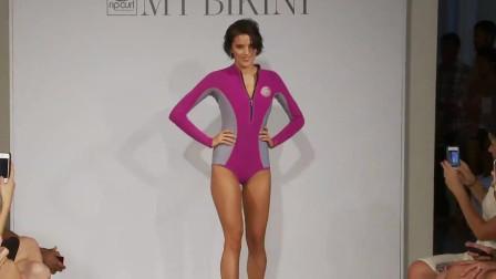 纽约品牌时尚泳装秀,靓丽超模的笑容很迷人